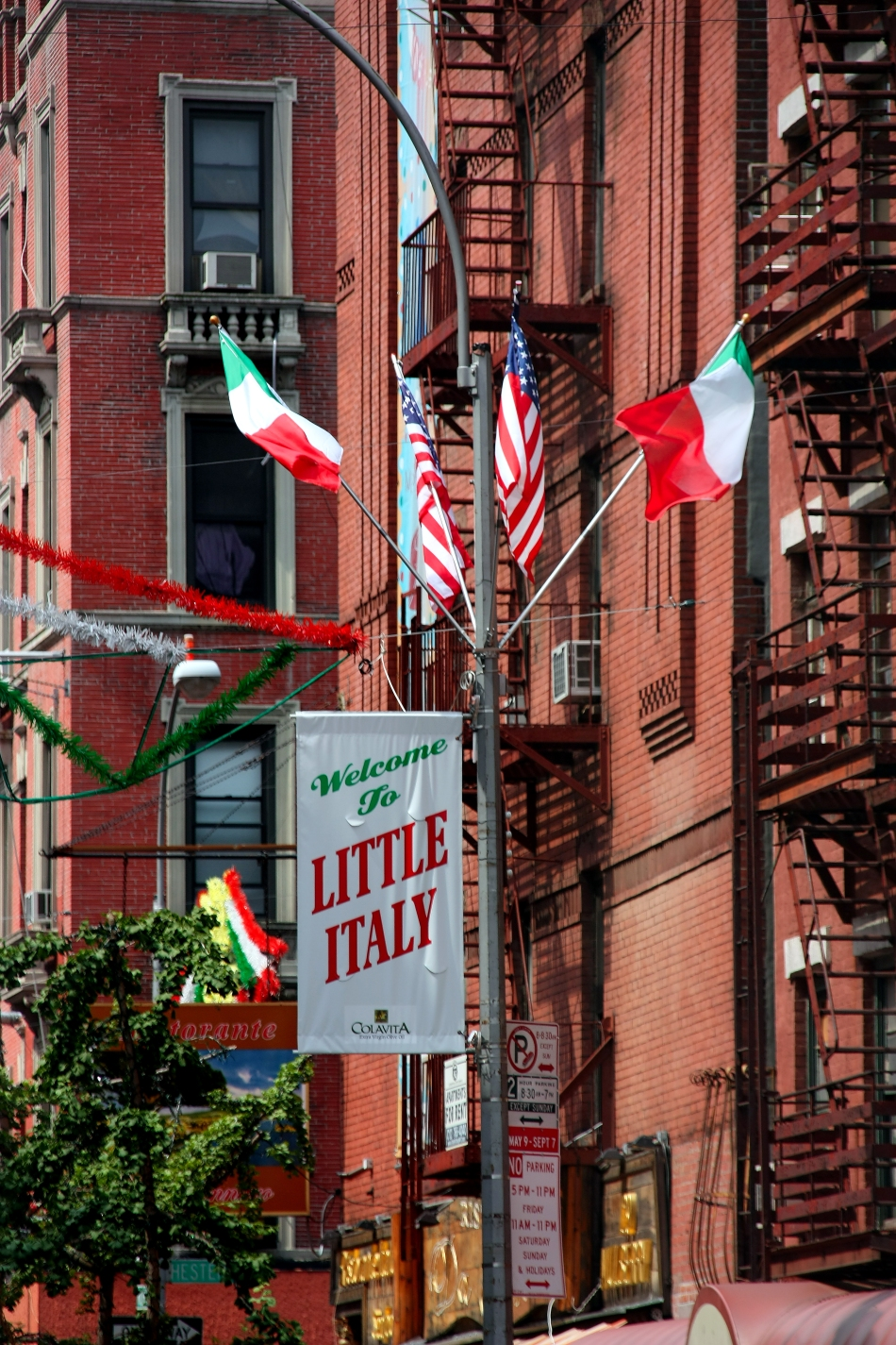 By Tomás Fano (New York. Little Italy) 